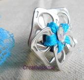 Anello a fiore con linguette delle lattine fatto a mano azzurro