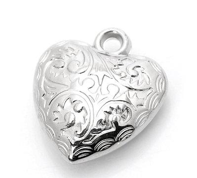 Charm ciondolo cuore lavorato in ccb 24x27 mm.