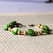 B48.14 - Bracciale verde con bottoni vintage