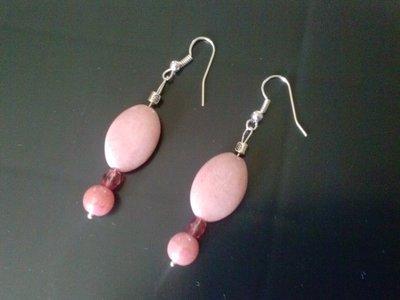 Orecchini pendenti in perle rosa
