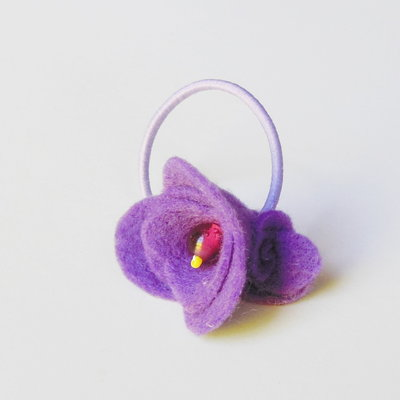Codini per capelli con fiorellini in feltro rosa: accessori per romantiche ballerine!
