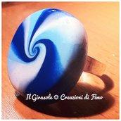 Anello regolabile con spirale e sfumature del blu: l'anello dell'inverno