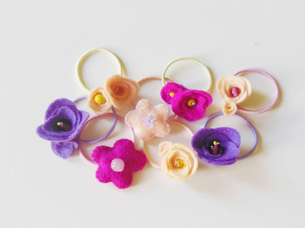 Set 3 codini per capelli: graziosi elastici adornati con fiori di feltro per le vostre bambine