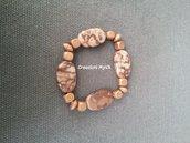 Bracciale con pietre e legno