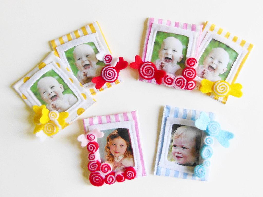 10 Bomboniere 'caramelle': deliziose cornici in feltro e cotone per dolci bambini, calamite per foto ricordo!
