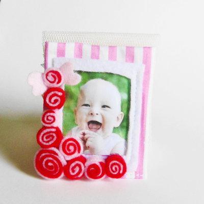 Cornici 'caramelle': deliziose idee regalo in feltro per foto ricordo che decoreranno il frigo di casa!