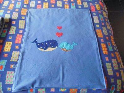 tappetino per cambio pannolini celeste con balene
