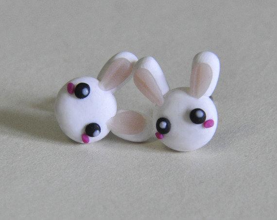Orecchini Perno Coniglietti Kawaii in Pasta Sintetica Tipo Fimo (coppia) - Disponibili con Perno in Acciaio, Perno in Plastica o Magneti