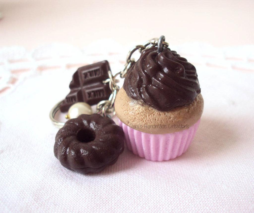 Portachiavi cupcake al cioccolato, ciambella e barretta