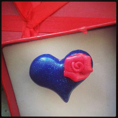 """anello """"amore""""in fimo forma cuore blu glitter"""