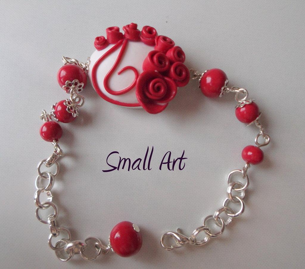 Bracciale con rose rosse in fimo con catena tono argento