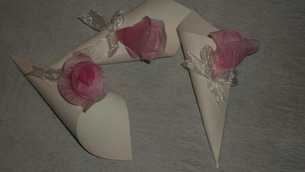 coni riso confettata artigianali bocciolo rosa