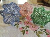 Ombrellini fatti ad uncinetto