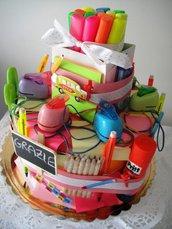 Torta di cancelleria per la scuola – Idea regalo per maestre, creative, alunni