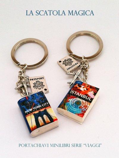 """Portachiavi con minilibro serie """"viaggi"""""""