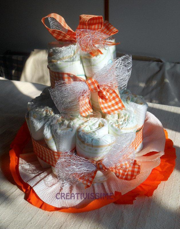 Torta di Pannolini fatta a mano per nascita o battesimi