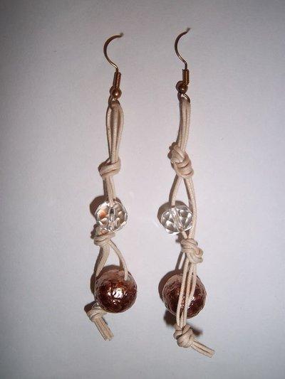 orecchini in plastica e corda
