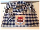 Porta torta in cotone a quadretti blu e beige con appliquè torta ciliegie