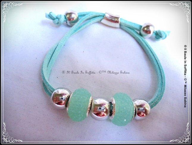 Bracciale in cordino di alcantara e perle trollbeads - Azzurro/verde menta