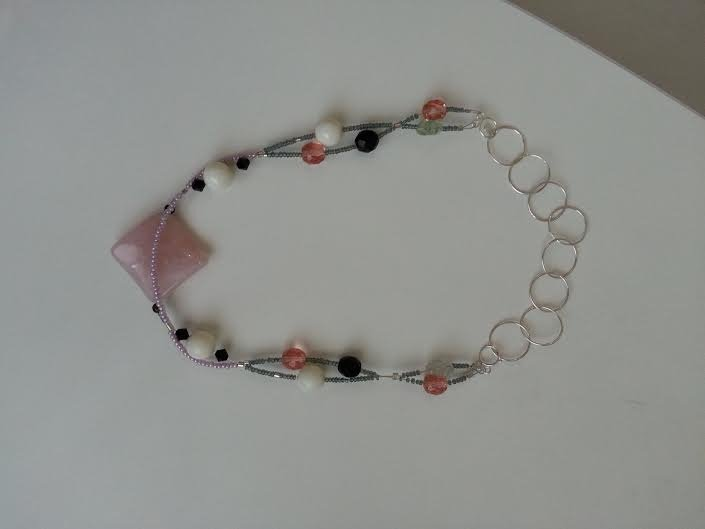 Girocollo in quarzo, pietre e perle swaroski  e argento