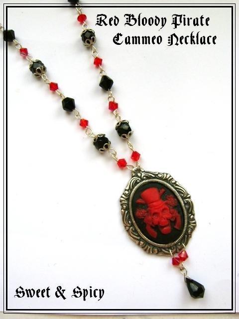RED BLOODY PIRATE NECKLACE-COLLANA GOTHIC VITTORIANA CON CAMMEO TESCHIO PIRATA