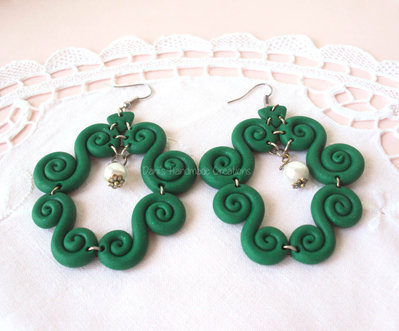 *IN OFFERTA* Orecchini in fimo a forma di ghirigori verdi con glitter