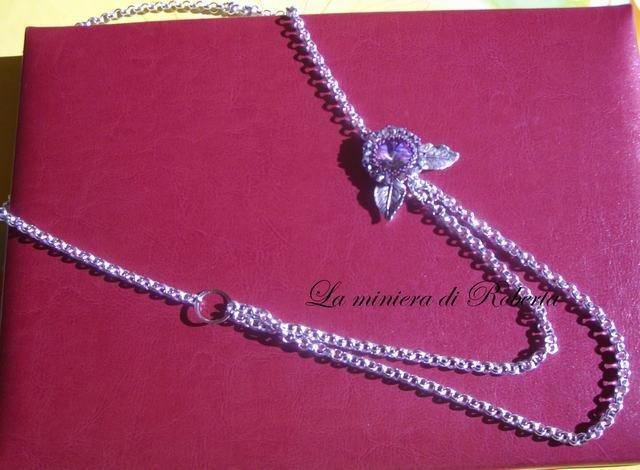 collana lunga con rivoli swarovski lilla incastonato