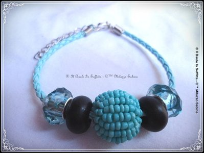 Bracciale in pelle azzurra tubolare con perle Trollbeads - Azzurro