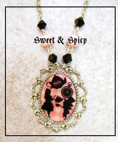 TEA PARTY NECKLACE-COLLANA CON CAMMEO ALICE IN WONDERLAND