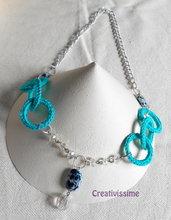 Collana all'uncinetto con cerchi e catena con pendente di perline fatta a mano verde acqua scuro