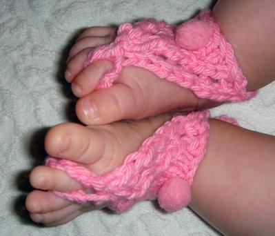 pom pom sandali pattern a maglia