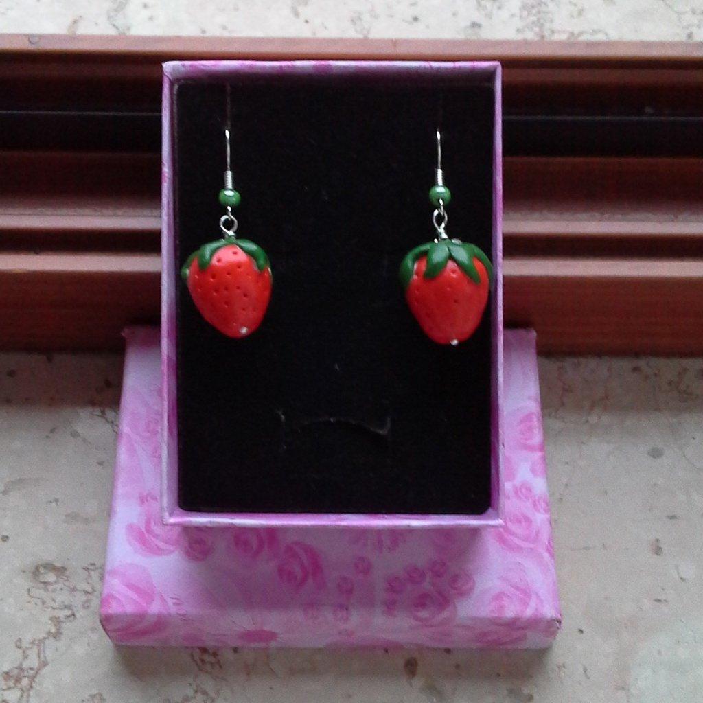 """orecchini pendenti """"fragoline"""""""