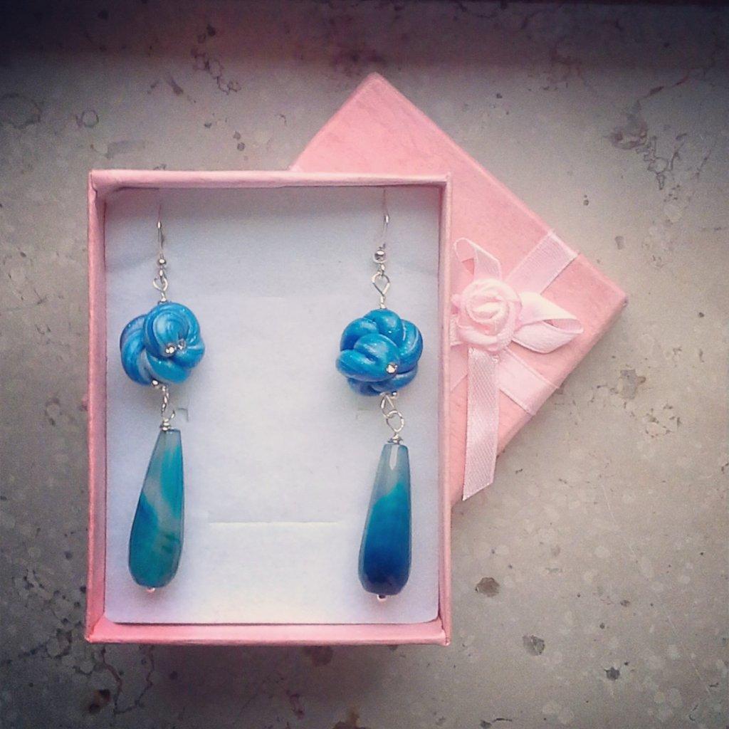 """orecchini pendenti """"nodo"""" blu"""
