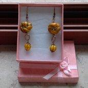 """orecchini pendenti """"nodo"""" giallo"""
