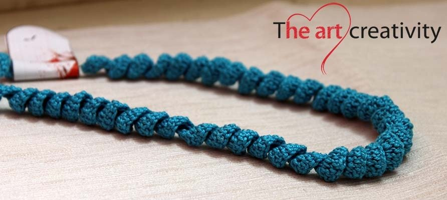 "Collana ""Spirale azzurra"""