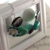 C13.14 - Collana verde con bottoni vintage e fiore - Linea Miro