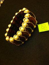 braccialetto con capsule Nespresso e perle in vetro