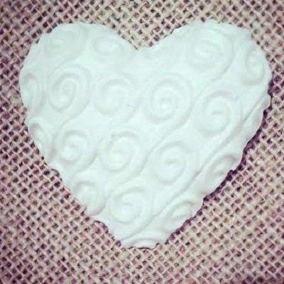 Gessetti profumati-cuore con rilievi- il cuore misura 6,5 cm-segnaposto,aprifesta,bomboniere