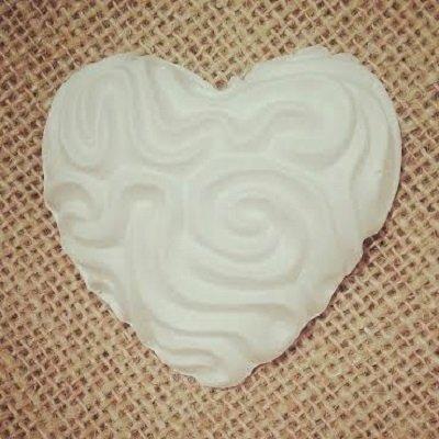 Gessetti profumati-cuore con rilievi- il cuore misura 6,5 cm