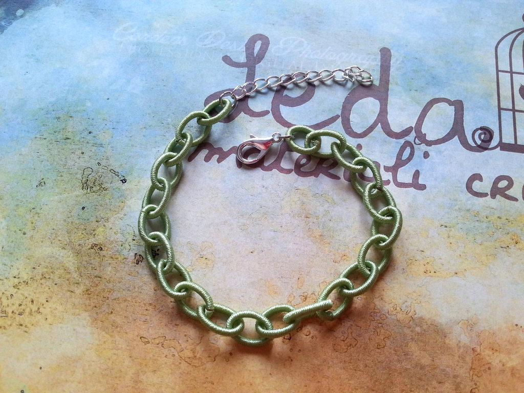 Base bracciale catena di seta verde chiaro