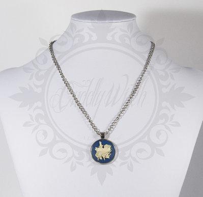 collana cammeo rotondo 25 mm cuore trafitto traditional tattoo blu e bianco- pin up kawaii rockabilly retro goth lolita