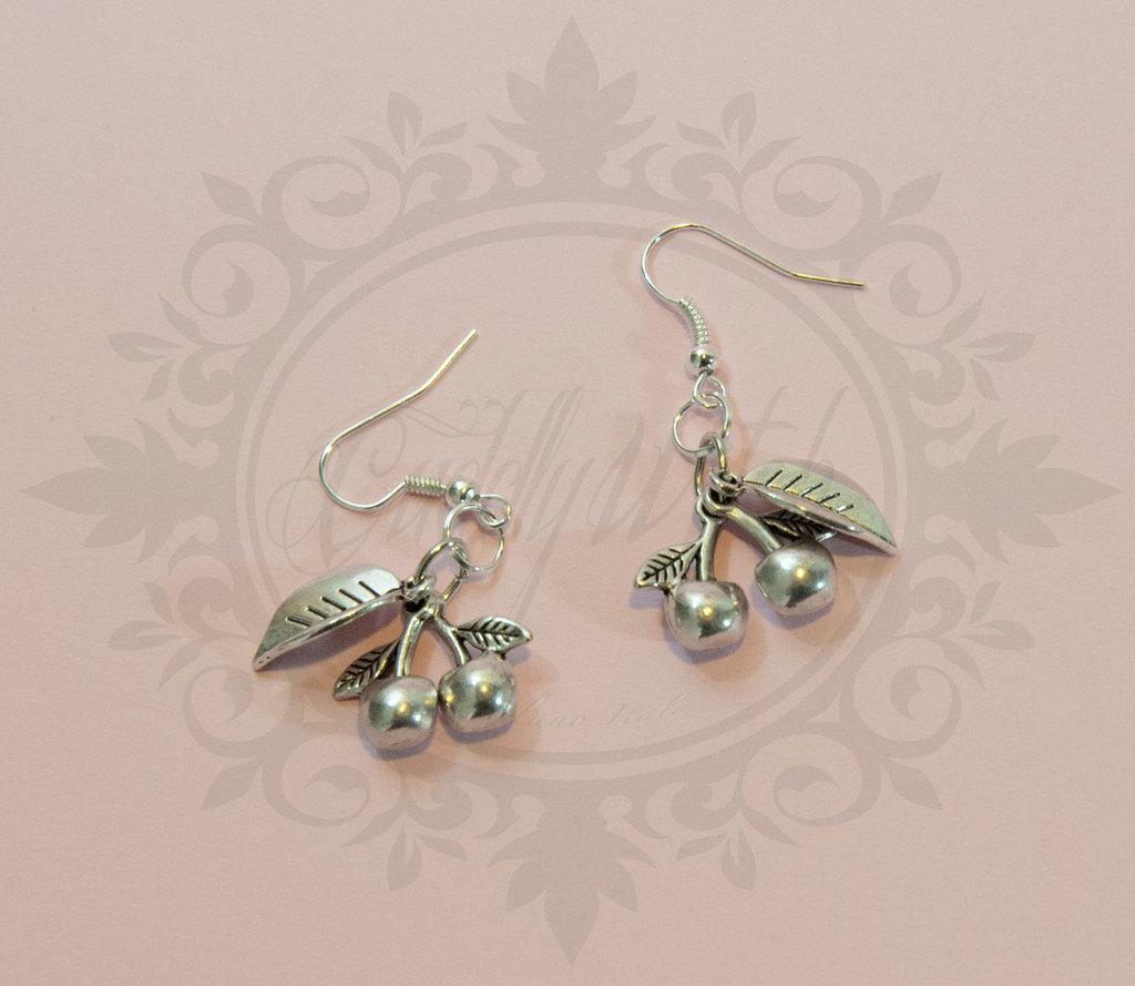 orecchini pendenti ciliegie e foglia in metallo color argento anticato - cherry pin up rockabilly goth lolita kawaii retro