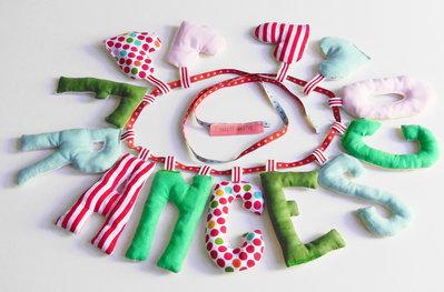 FRANCESCO: ghirlanda di lettere di stoffa imbottite per decorare e personalizzare la cameretta del vostro bambino!