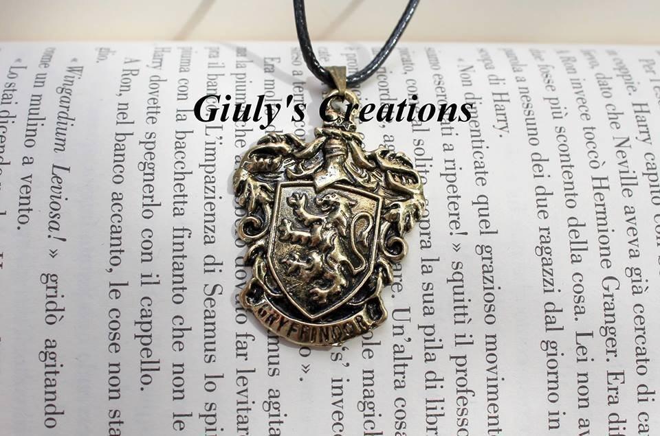 Collana con Stemma della casa dei Grifondoro una delle 4 case di Hogwarts HARRY POTTER