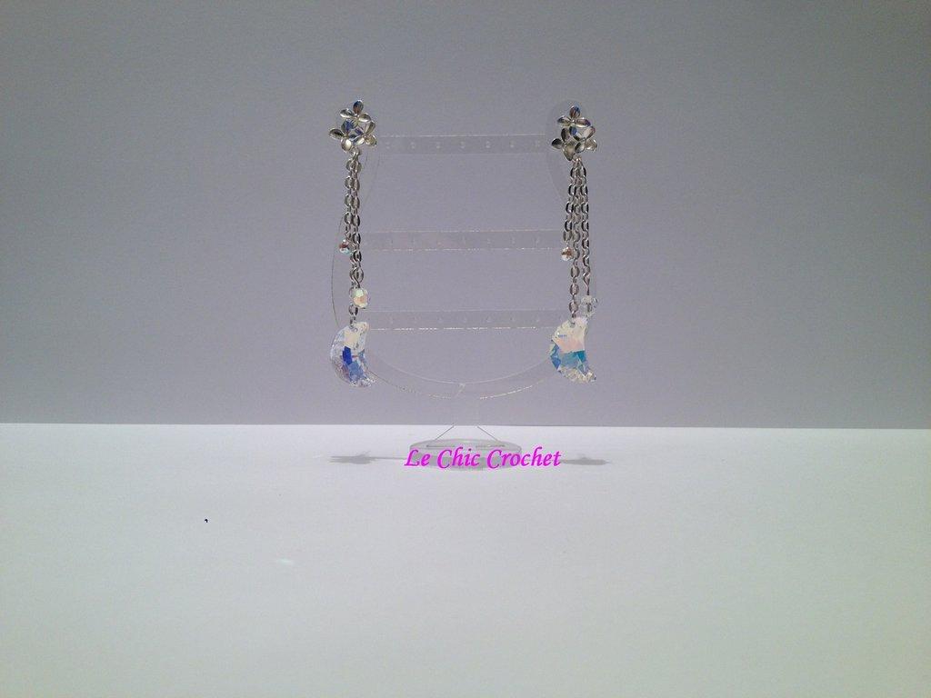 Orecchini con fiore a perno & Swarovski Crystal Element.