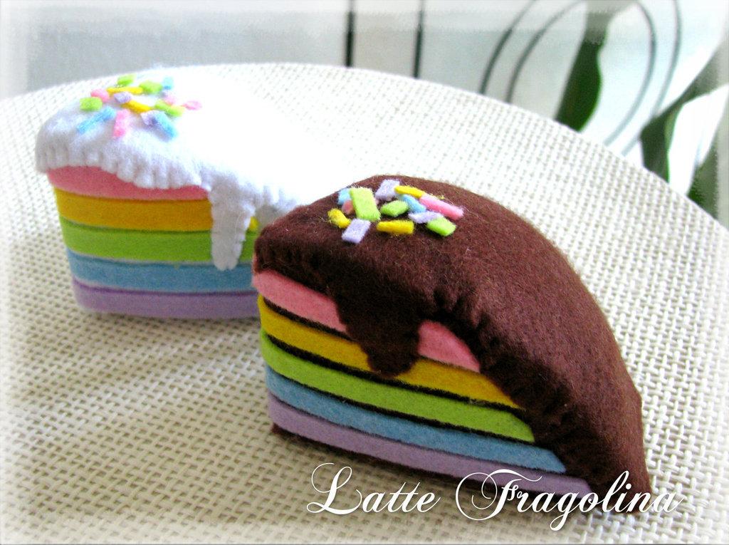 Torta arcobaleno in feltro - giocattolo per bambini
