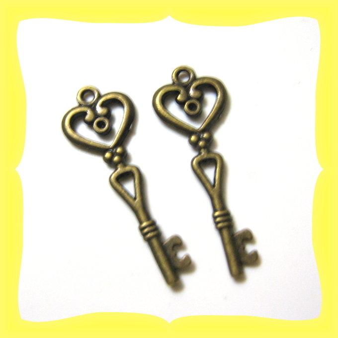 4 chiavi pendenti bronzo