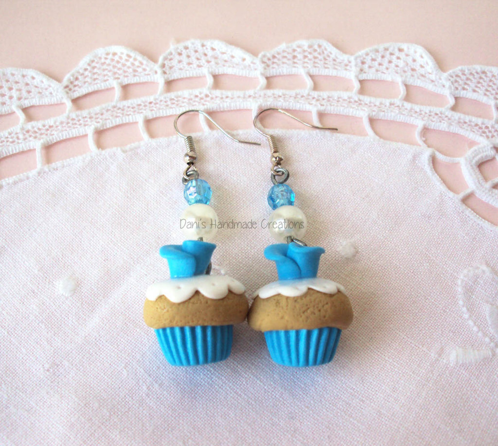 *IN OFFERTA* Orecchini cupcakes azzurri con rose  - in fimo - e perle