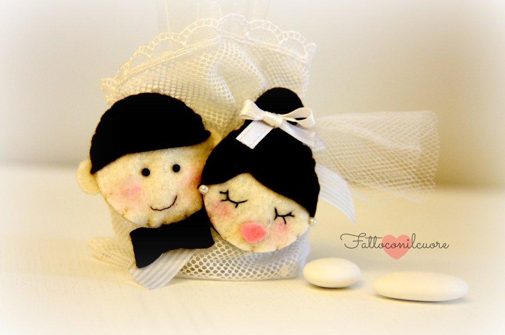 bomboniera segnaposto coppia sposini per festeggiare il giorno del tuo matrimonio