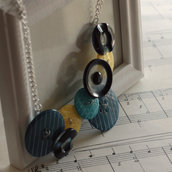 C16.14 - Collana turchese e gialla con bottoni vintage - Linea Miro
